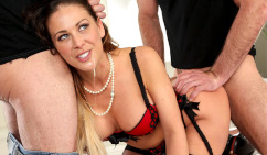 MomIsHorny – Cherie Deville Loves the DP